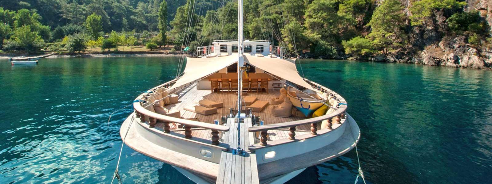 crewed-yacht-charter-turkey