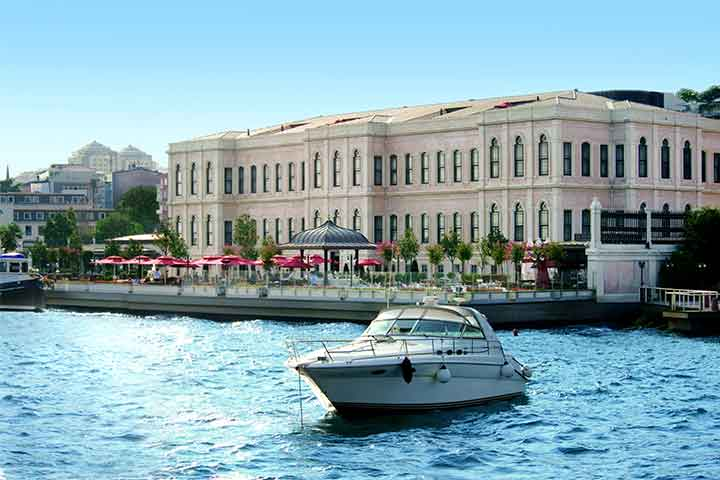 Private Boat Four Seasons Bosphorus