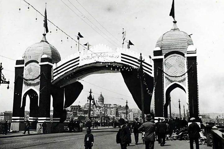 galata-bridge-old-photo